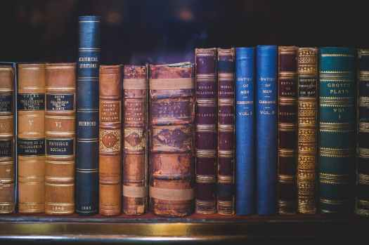 Book Tag: Reader Problems, blog post by Aspasia S. Bissas
