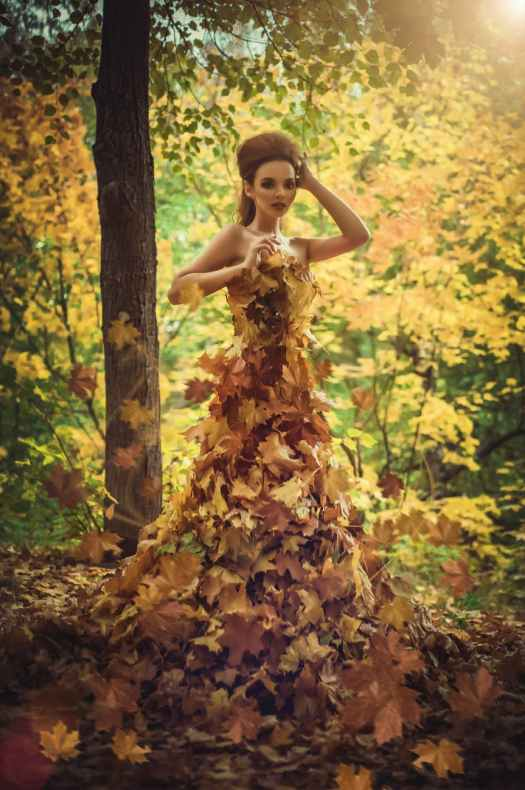 Happy Equinox! Blog post by Aspasía S. Bissas, autumn, leaves, leaf dress, fairy, fae, goddess, nymph, seasonal, seasons, pagan, paganism, polytheism, polytheist, good wishes